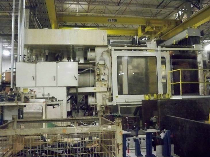 2 500 Ton Cincinnati Milacron Injection Mold Machine 5