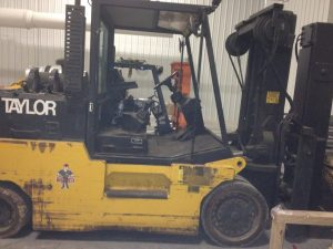 30,000lbs. Taylor T300 Forklift 4