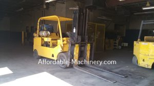 30,000lb Used CAT T300 Forklift For Sale Call 616-200-4308