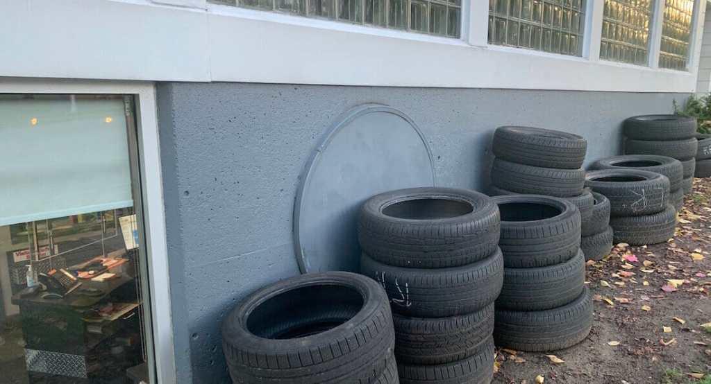 Dumpster Rental for Auto Body Shops Winnipeg