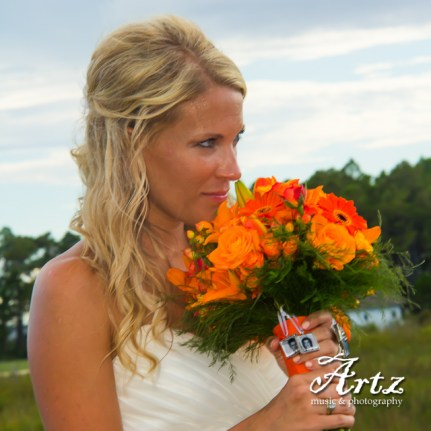 Outer Banks Wedding - 2014 OBX Bride (photo by Matt Artz for affordableOBXweddings.com)_0046