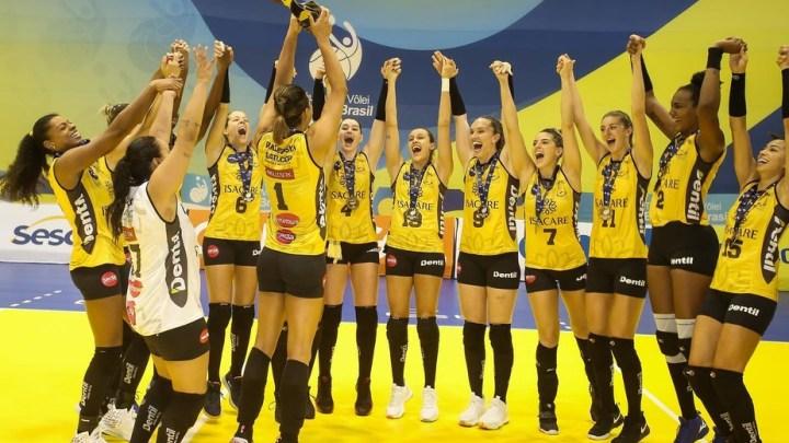 Praia Clube é campeão simbólico da Superliga 2020
