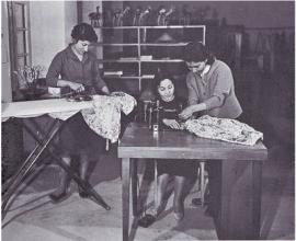 A university Home Economics class demonstration -1984
