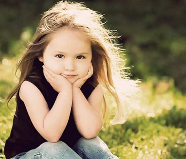 69779__happy-child-day-dreaming_p