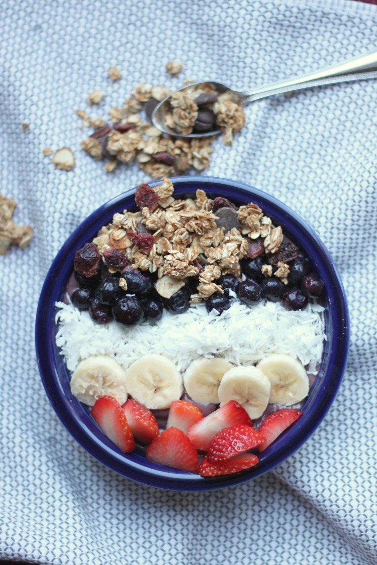 Tips for how to make an acai bowl for cheap, plus some delicious toppings that will have your mouth watering and wanting more.