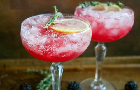 fresh blackberries, fresh lemon juice, and thyme-infused simple syrup are combined with bourbon for this gorgeous, refreshing blackberry, thyme, and lemon bourbon cocktail. blackberry, thyme, and lemon bourbon cocktail   a flavor journal food blog