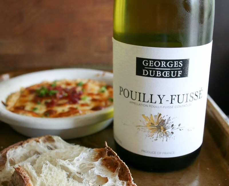 amazing French wines from Vouvray, Chinon, Beaujolais, and Pouilly-Fuisse, paired with cheeses and salts from France are PERFECT for completing your summer picnic plans! | french food, wine, and summer love.