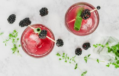 fresh blackberries, sage, and grapefruit mixed with honey simple syrup and sparkling water. a super refreshing drink sans booze! blackberry, sage, and grapefruit mocktail | a flavor journal food blog