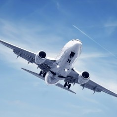 cropped-airplane-flying-desktop-picture