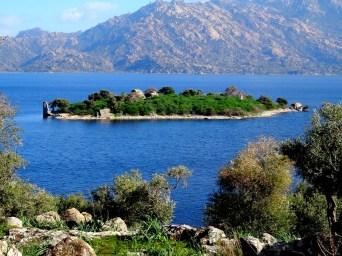 Un lac qui rappelle la Méditerranée...