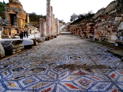 Des milliers de mètres-carrés de mosaiques