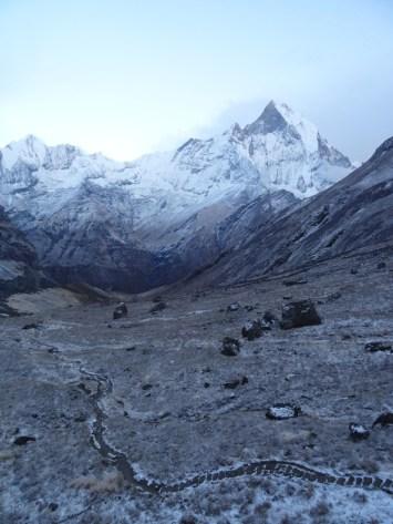Le cirque des Annapurnas avant le lever du soleil