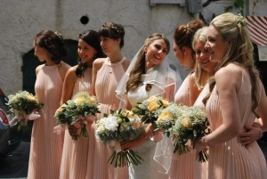 Look coordinato per le damigelle della sposa