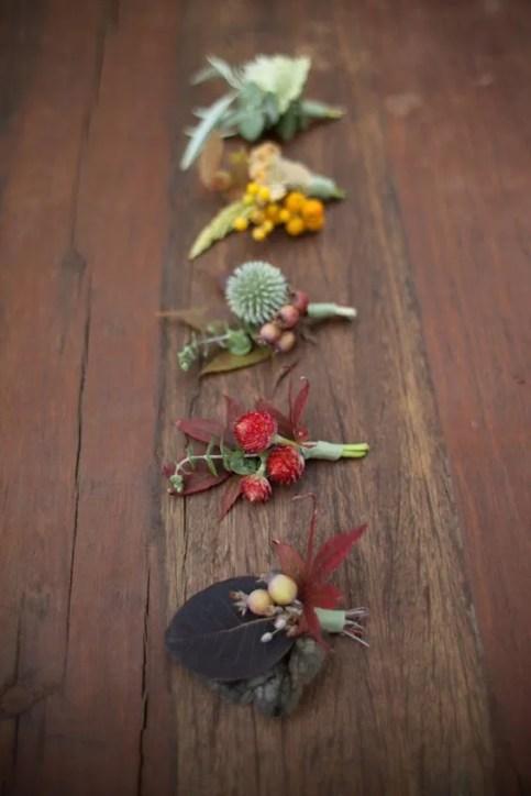 Bottoniere sposo per nozze in autunno