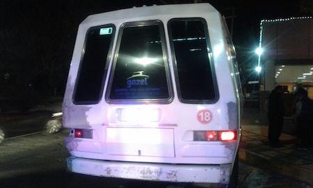 Muere en el hospital mujer herida de bala durante asalto a microbús en Naucalpan
