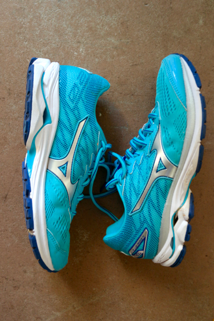 Mizuno Wave Rider 20 Women's Running Shoes Review