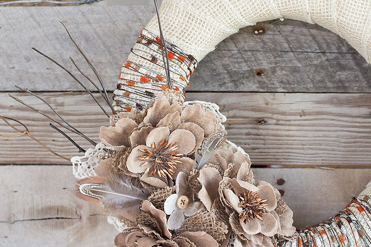 USE FLOWERS TO CREATE A PERFECT FALL LOOK FOR YOUR HOME
