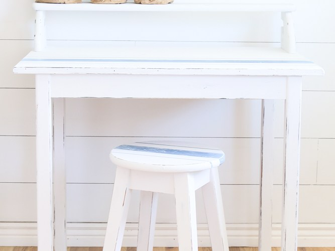 TIPS AND TRICKS FOR FLIPPING FURNITURE