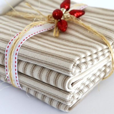 HANDMADE HOLIDAYS: DINNER NAPKINS