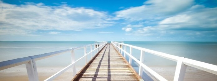 pier-on-sunny-day-in-diminishing-perspective