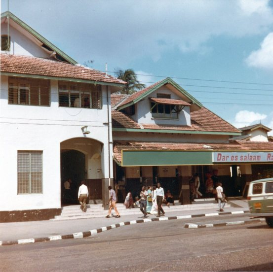 While there was train infrastructure in Tanzania in 1985, much was for cross country trips, connecting with the rest of East Africa or transporting goods and none of it was rapid transit.