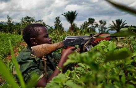 Ituri : Un policier blessé et plusieurs détenus libérés lors d'une attaque des miliciens CODECO à Mungwalu