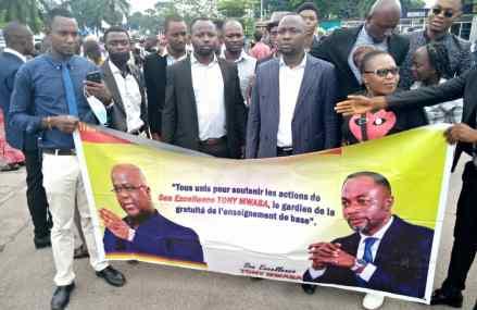 Investiture du Gouvernement en RDC: Jean Tshisekedi et ses membres de l'ASBL «SATM» étaient également présents pour soutenir le ministre Tony Mwaba