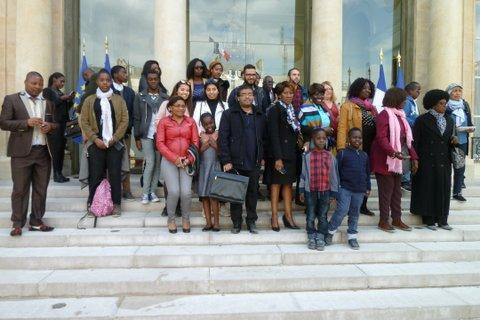 Samedi 29 avril 2017, 42 personnes (enfants, adolescents et adultes) du Collectif AFRICA 50 venues de Lyon visitent le Palais de l'Elysée à Paris.