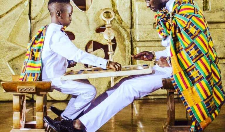 Okyeame Kwame Celebrates His Son's Birthday In A Pure African Way