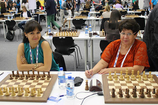 Playing alongside her mother WIM Irina Ostry (right) at the Tromsø Olympiad