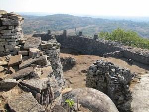 3-great-zimbabwe-ruins-masvingo