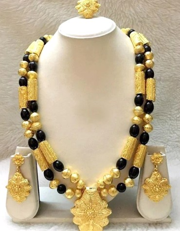 Black Stone Beads Jewelry Set Golden Plated Necklace Set