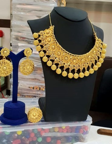 2 Gram Gold Neckalce matching Stylish party Round Neck Golden