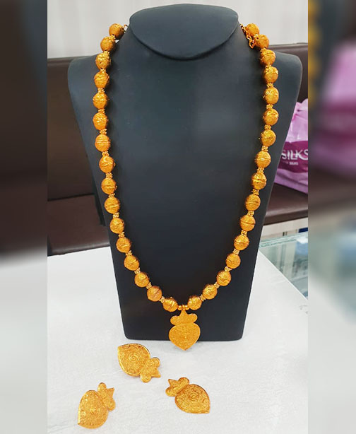 Fashionable and Beautiful Designer Complete Necklace Jewelry Set for Women