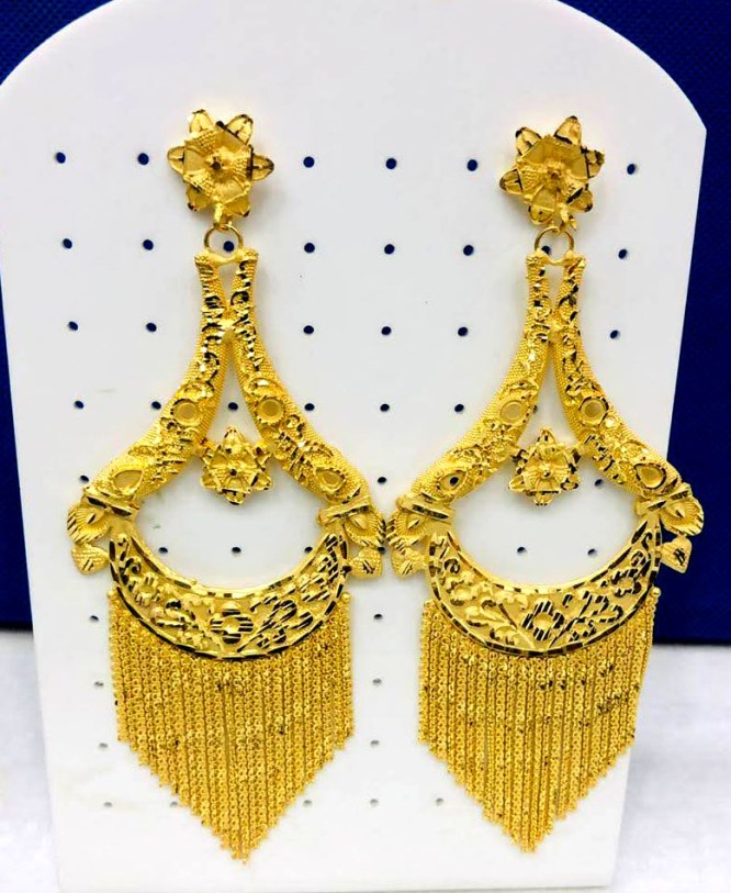 African Fashionable and Trendy Gold Earring Jewelry Set for Women