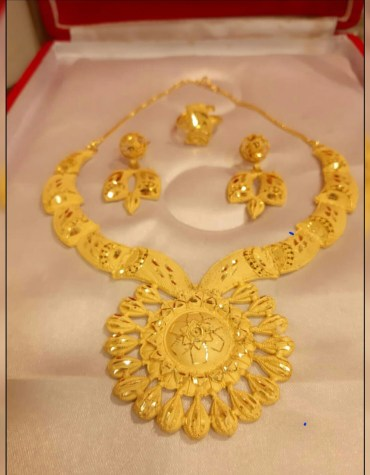 Stylish & Fabulous Party Wear 2 Gram Gold Jewellery Necklace and Earrings Set For Women