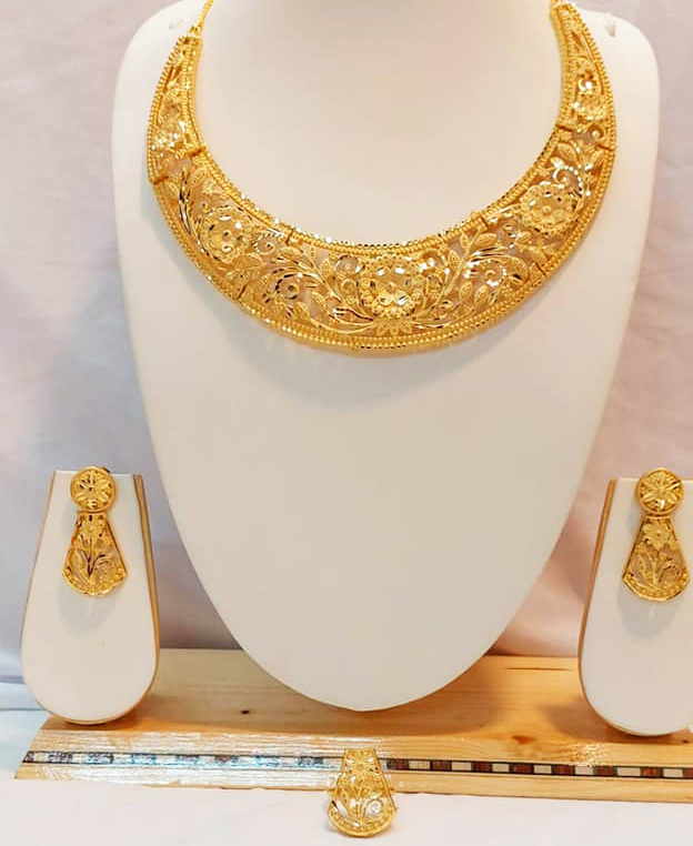 Trendy Party Wear Fabulous Designer Necklace Jewellery Set for Women