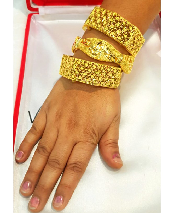 African Latest Stylish Elegant Gold Bangles Party Wear Jewellery Set For Women