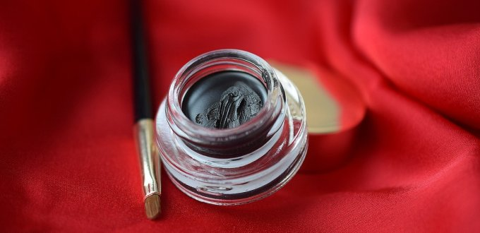 Africanfinestmums - How to do a fabulous 5 minute Mum on the go makeup