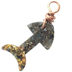 Orgonite Small Fish Charm with Green Aventurine and Gold River Leafturine and Gold River Leaf Small Fish Pet Charm