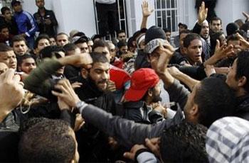 Le système universitaire tunisien a été énormément secoué par le conflit qui a éclaté entre deux groupes d'étudiants