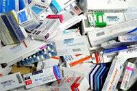Une camionnette transportant une cargaison composée de 42 sortes de médicaments de contrebande vers la Libye a été saisi