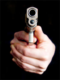 Un délinquant a été blessé dans la soirée du mardi 13 août 2013 par balles de la part des agents de l'ordre de la région de Yasminet au gouvernorat de Ben Arous