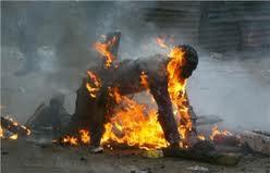 Une femme âgée de 51 ans s'est immolée par le feu
