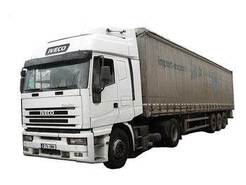 Plusieurs chauffeurs de camions poids-lourds ont observé
