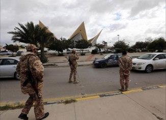 La bataille pour le contrôle des aéroports se poursuit en Libye dans ce qui est décrit comme les combats les plus violents depuis la chute du dictateur Mouammar Kadhafi en 2011.
