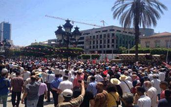 Des milliers de Tunisiens se sont rassemblés vendredi