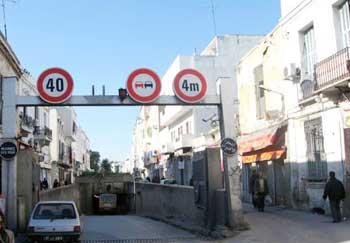 Le ministère de l'équipement annonce la suspension du trafic routier au