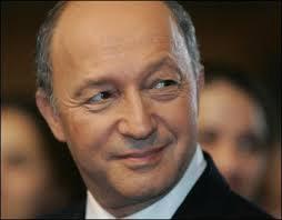 Le ministre français des Affaires étrangères Laurent Fabius passera une partie de ses vacances en Tunisie