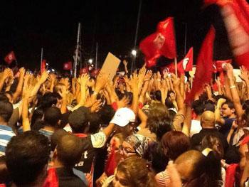 Sept sit-inneurs du mouvement ''Haqi'' et des indépendants ont entamé